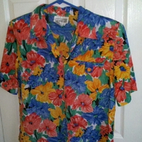 Christie & Jill Floral Button Up Blouse M