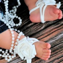 Barefoot sandals for baby in flower design