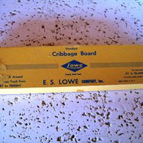 Standard_lewis_cribbage_board_001_medium