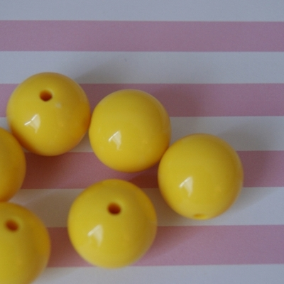 20mm bubblegum yellow solid chunky beads