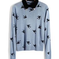 Bird print loose blue sweater with black collar