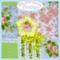 Yellow & Pink Trailing Ribbon Star