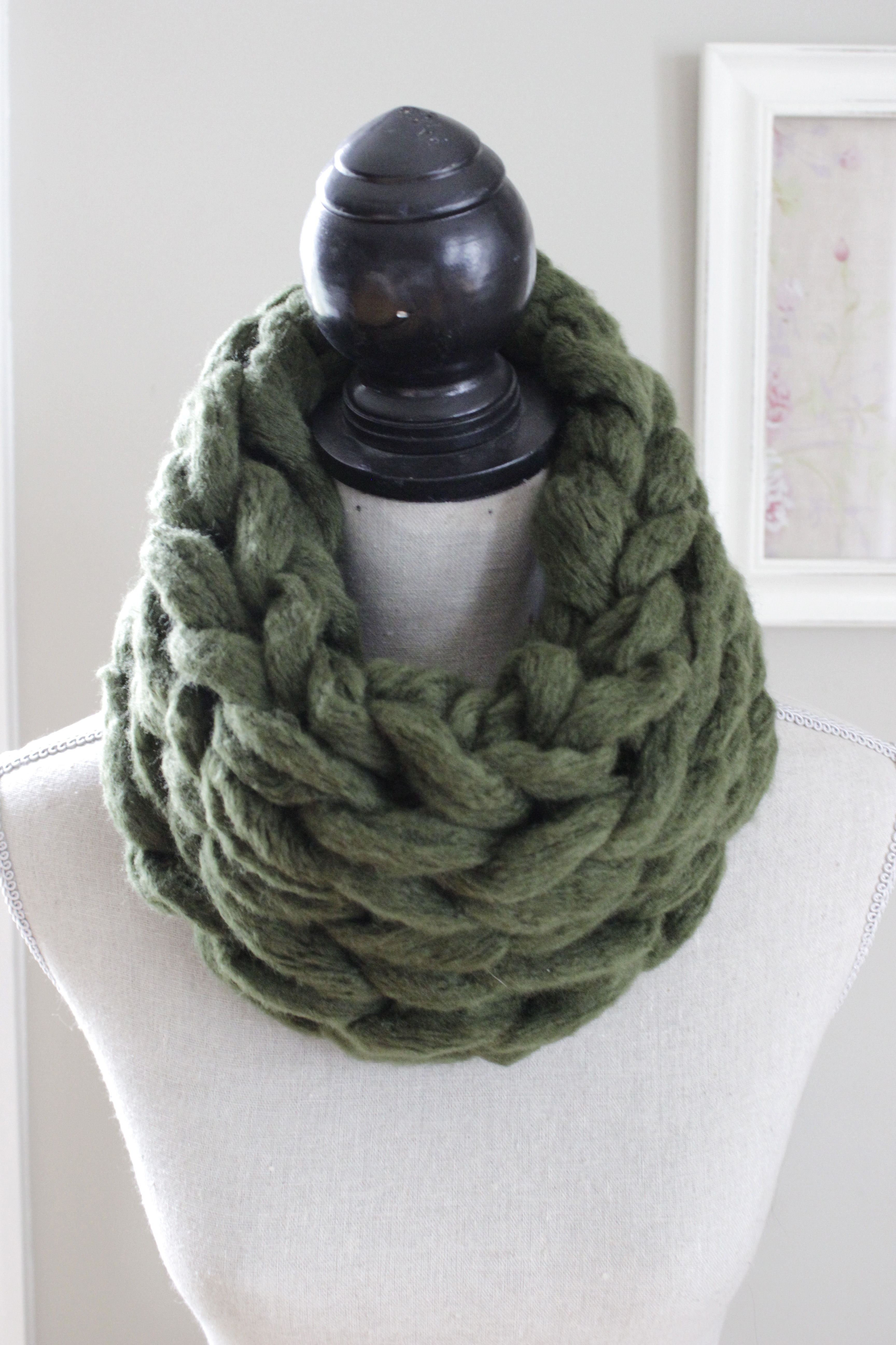 Super Chunky Arm Knit Infinity Scarf - Green · The Velvet Cove ...