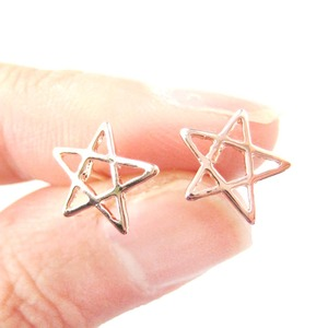 Classic Star Outline Shaped Cut Out Stud Earrings in Rose Gold