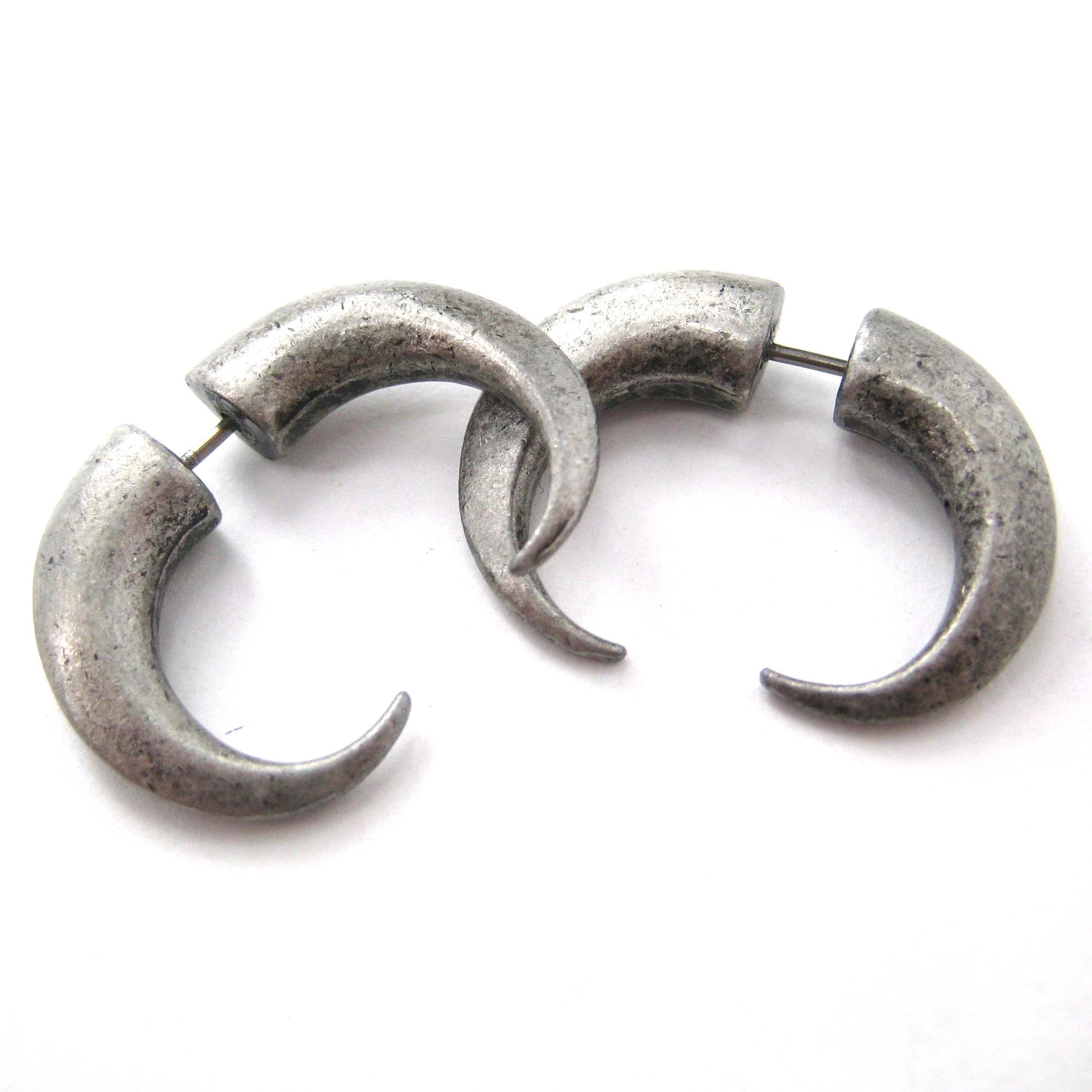 3d Fake Gauge Horn Hook Rocker Chic Spike Stud Earrings Silver