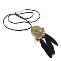Pendant Necklace with Feathers