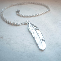 Mirror feather necklace