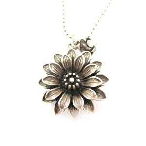 Realistic Dahlia Flower With Pointed Petals Floral Pendant Necklace in Silver
