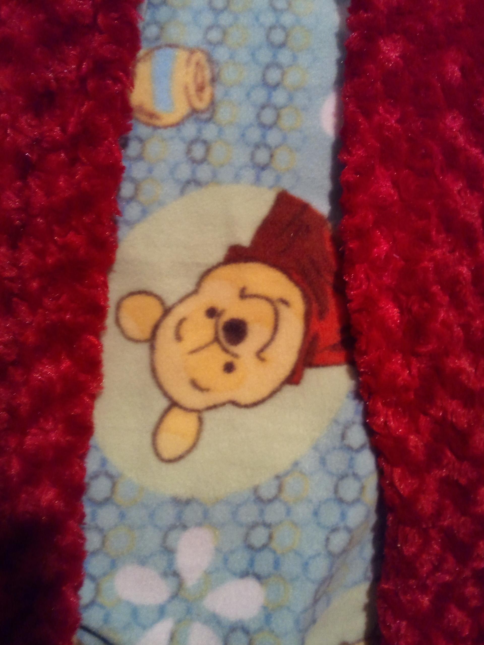 Winnie The Pooh Fleece W Red Rosette Faux Fur Throw