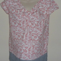 Red Flower Shirt with Stripe Band at Bottom-H&M Mama Size Large   CLLO2