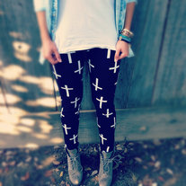 Cross_leggings_medium