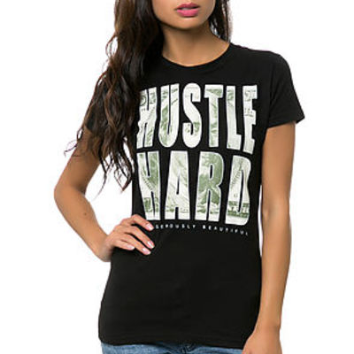 Hustle hard tee black