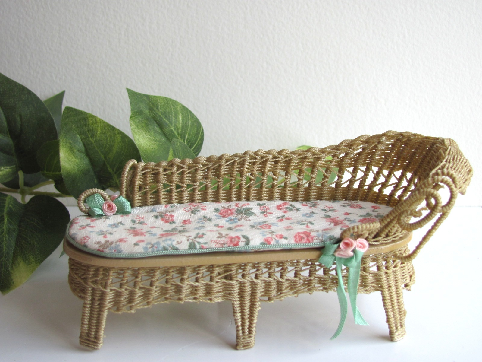 Country Cottage Chic Wicker Chaise Lounge 1/12 Miniature Dollhouse Garden Chair or Seaside Beach : wicker chaise lounge chair - Sectionals, Sofas & Couches