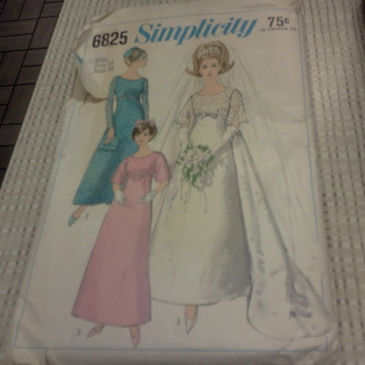 Beautiful 6825 simplicity wedding and bridesmaid 60's  miss size 14 bust 34