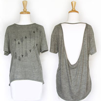 Womens_arrows_gray_tshirt_eleventy_five_medium