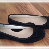 Ballet_shoes_black_le_1_medium