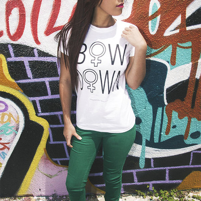 Bow down crewneck