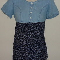 Denim/Navy Floral Top-Kathy Ireland Maternity Size Small