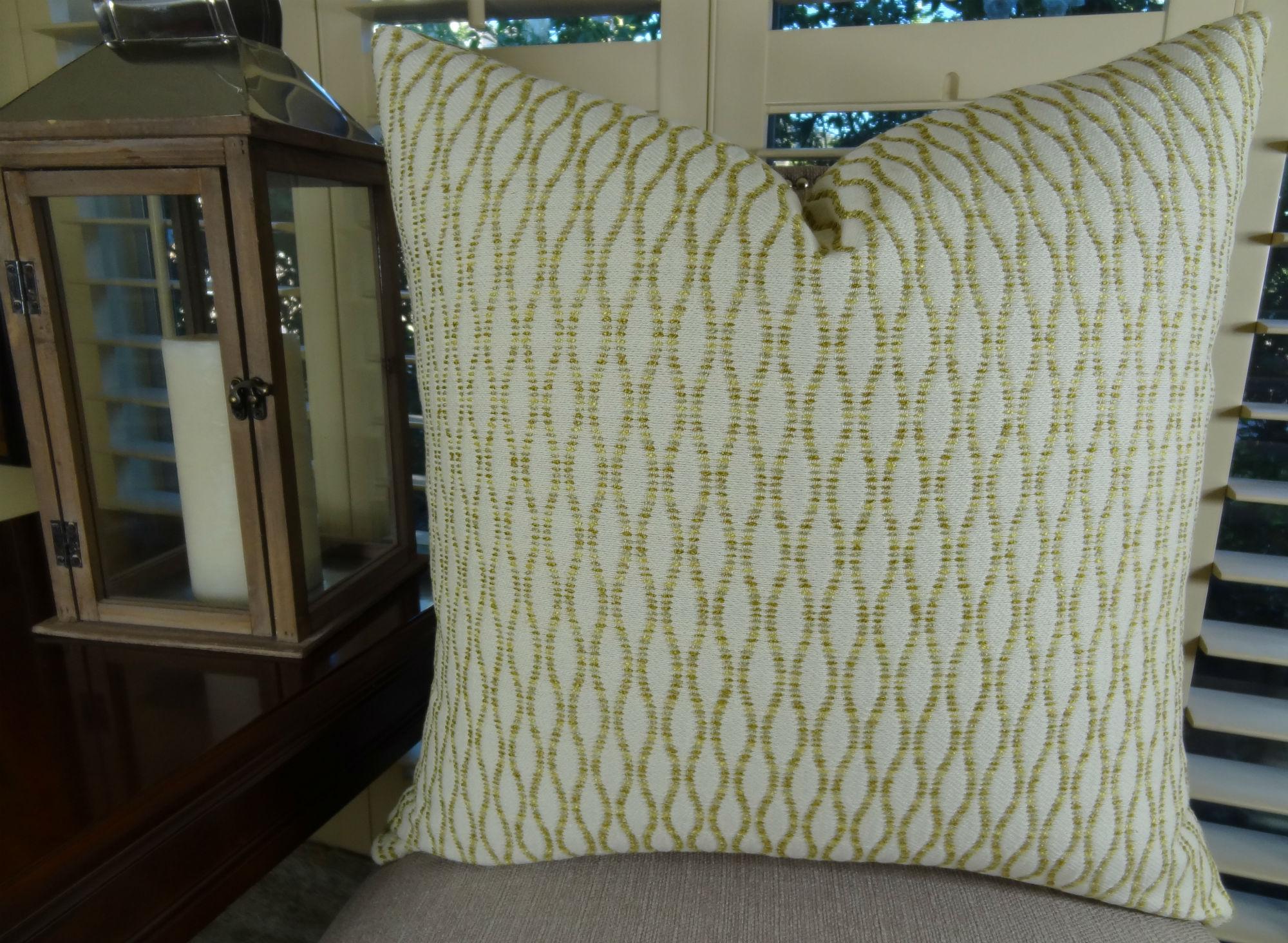 22 x 22 luxury designer decorative throw pillow light for Luxury decorative throw pillows