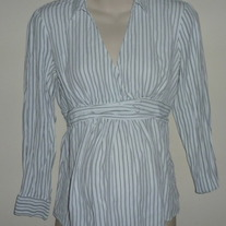 Black/White Stripe Shirt with Collar-Oh Baby By Motherhood Size Medium