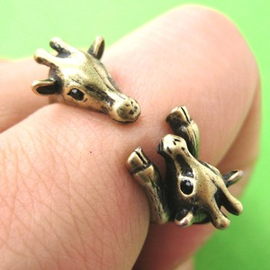 Mom and Baby Giraffe Animal Hug Wrap Ring in Bronze - Sizes 5 to 9