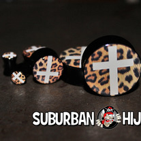 Leopard Cross Saddle Plugs
