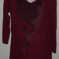 Burgundy Long Sleeve Shirt with Black Floral Design-Oh Baby By Motherhood Size Medium  CL413
