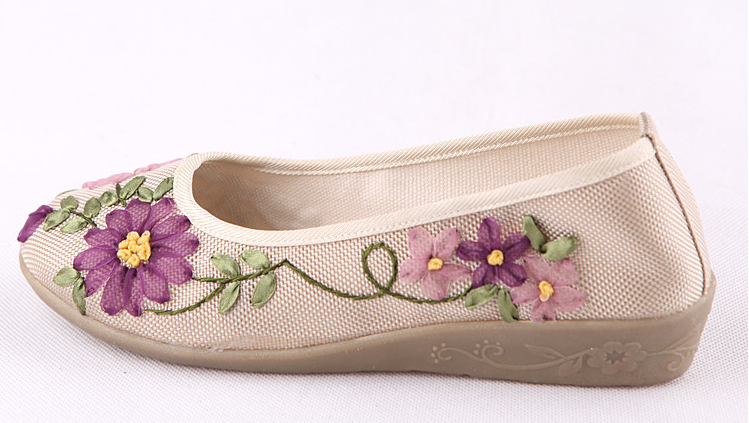 Flower embroidered wedges · enix fashion online store