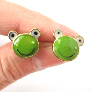 Super Cute Frog Toad Animal Stud Earrings in Green