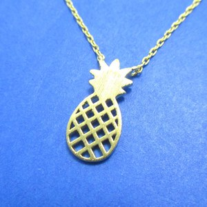 Pineapple Cut Out Shaped Summer Fruit Charm Necklace in Gold