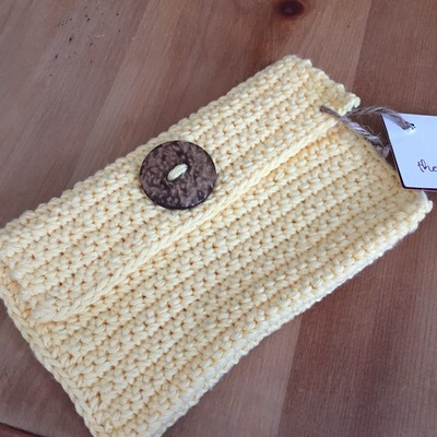 Yellow jamuna clutch