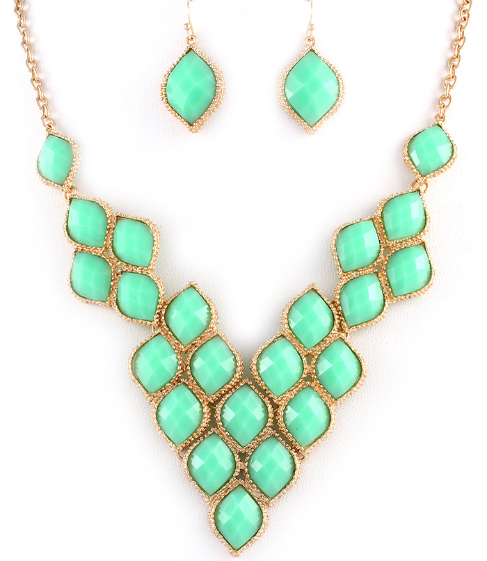 mint green statement necklace 183 marina boutique
