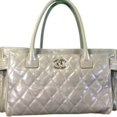 Chanel gray tote bag