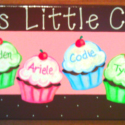 "6"" x 18"" cupcakes (personalized sign) wall decor"