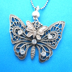 Classic Decorative Butterfly Animal Pendant Necklace with Rhinestones