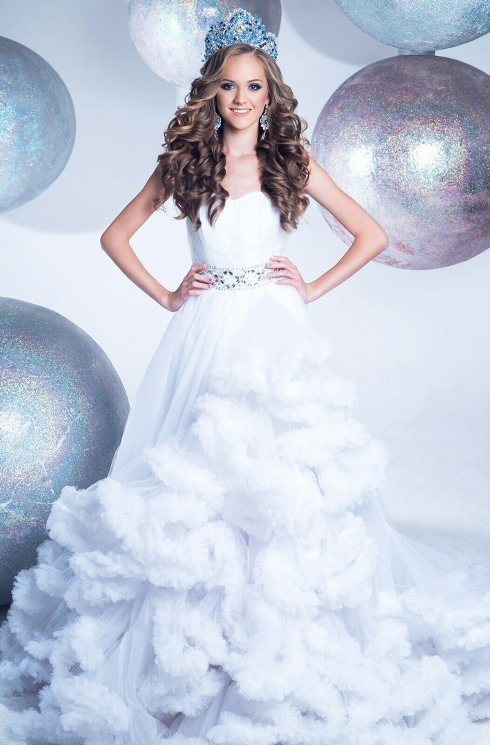 Gorgeous Miss World Cloud Wedding Dress Trends Sweetheart With Train ...