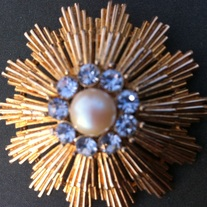 Sunburst Vintage Pearl Center Crystal Goldtone Brooch Pin
