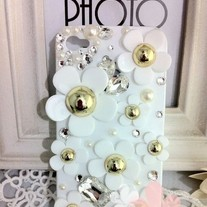 Bling Crystal Sparkle White Daisy Flowers iPhone 4/4S Case