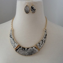 Snakeskin Necklace Set - more colors