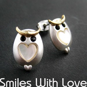 Small Owl Earrings in Silver with Pearl Heart Detail - ALLERGY FREE