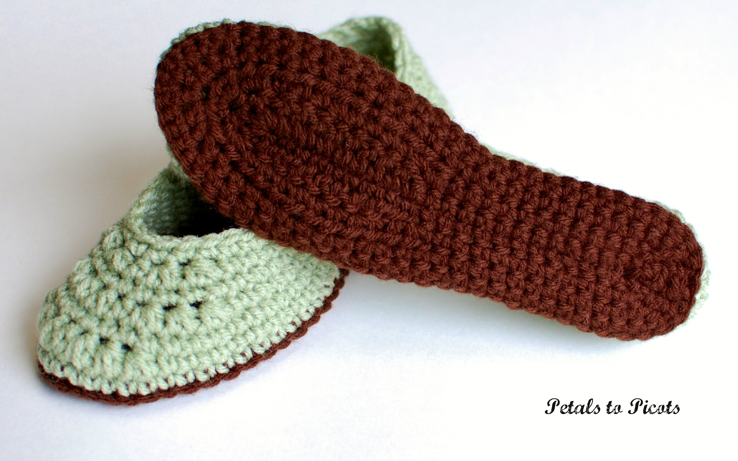 Crochet Slippers : Crochet Pattern - Ladies Slippers (Womens Sizes 4/5, 6/7, 8/9, 10/11 ...