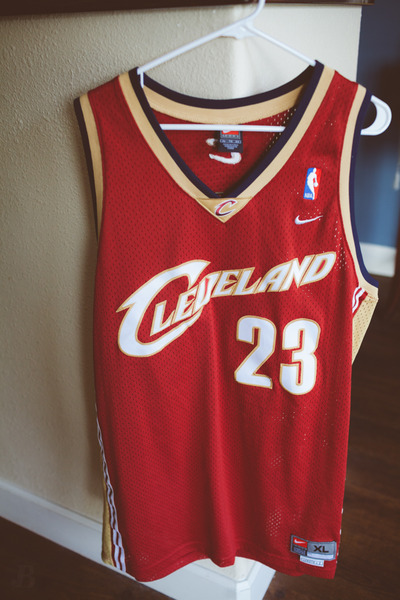the latest ce66e e4975 Nike Lebron James Cleveland Cavaliers Jersey Mens XL from Kings Court  Vintage