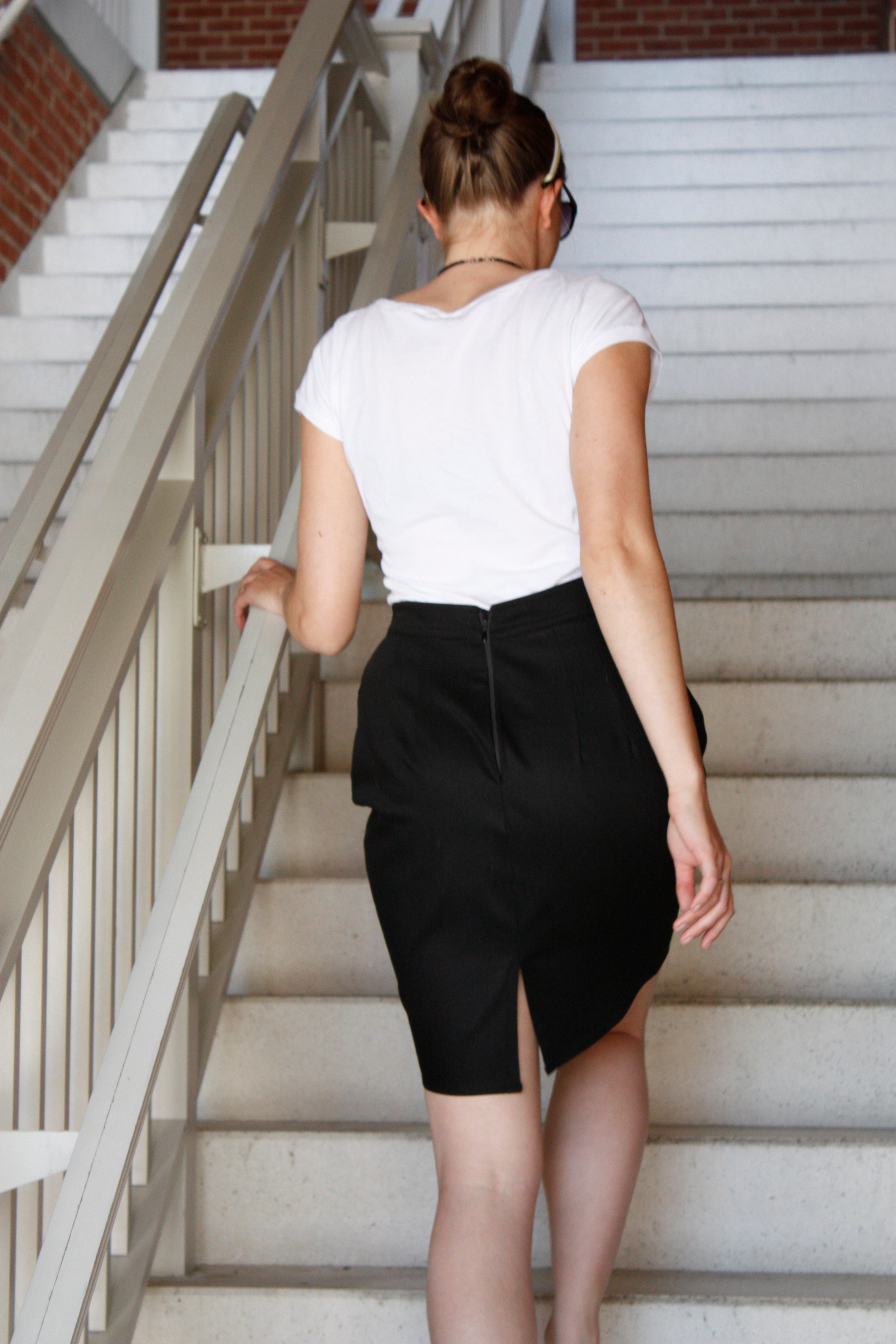 Black pencil skirt for work – Modern skirts blog for you