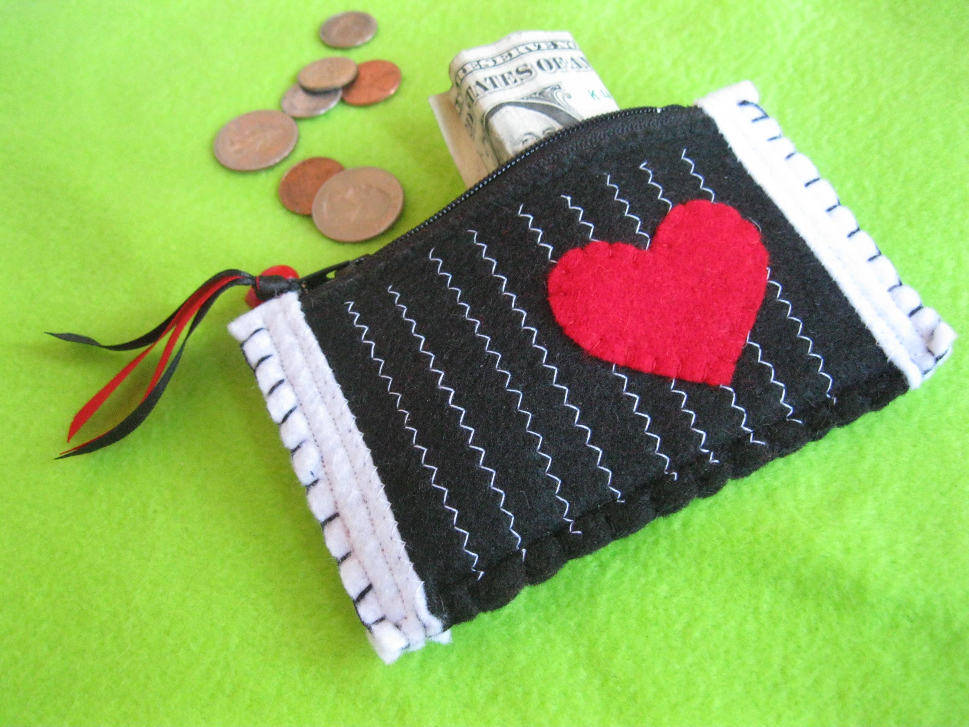Chevron Pinstripe Red Heart Coin Purse (27886821) photo