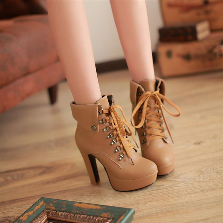 95fe2703aa4 Fashion sweet high-heeled short boots · Sanrense · Online Store ...