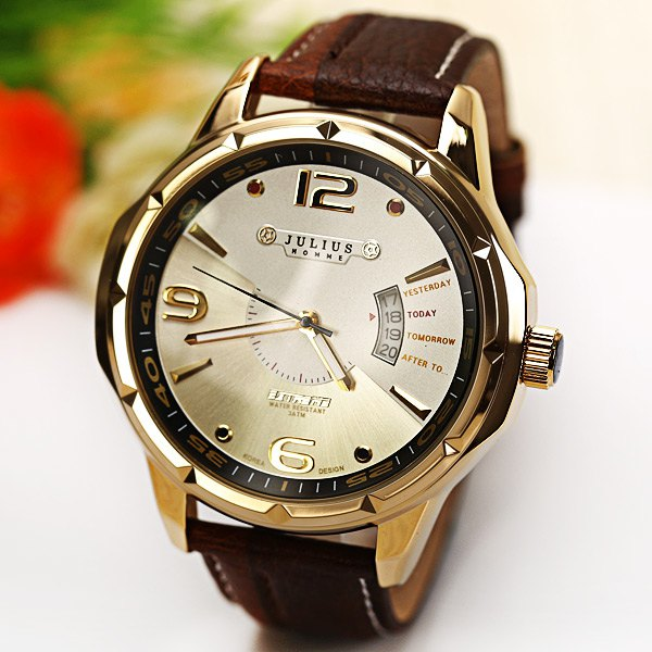 Specification Color: BLACK, DARK BROWN, GREEN, VERMILION Category: Watches > Men's Watches   Specification: General  Brand: JuliusWatches categories: Male tableWatch style: FashionAvailable color: Black Dial  Movement type: Quartz watchShape of the dial: RoundDisplay type: AnalogCase material: MetalCase color: Silver Band  Band material: LeatherClasp type: Pin buckleBand color: Black Function  Special features: CalendarWater Resistance: 30 meters Weight and Size  The dial thickness: 1.1 cmThe dial diameter: 5.2 cmProduct weight: 0.078 kgPackage weight: 0.175 kgProduct size (L x W x H): 25.2 x 5.2 x 1.1 cmPackage size (L x W x H): 9 x 9 x 5.8 cm Package Contents  Package Contents: 1 x Watch, 1 x Gift Box