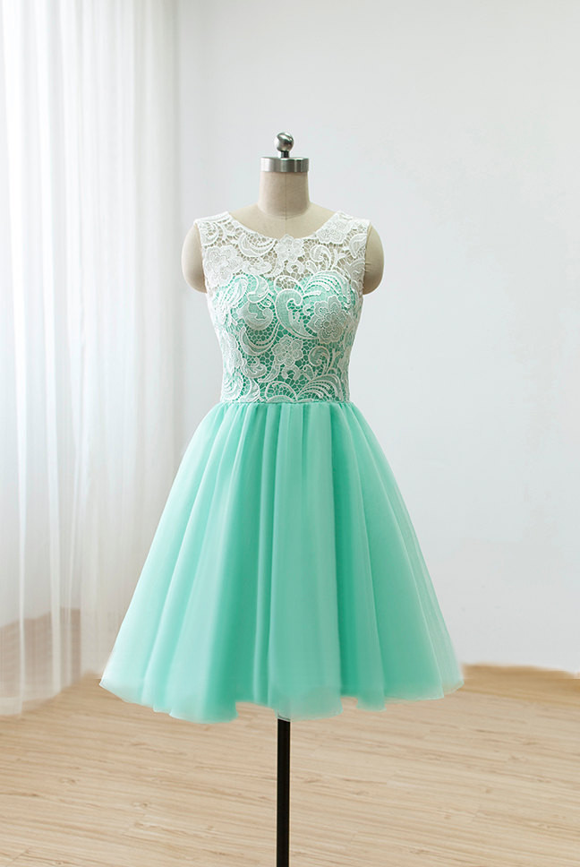 66d7bebbe73 Cute Round neck lace tulle short green prom dress