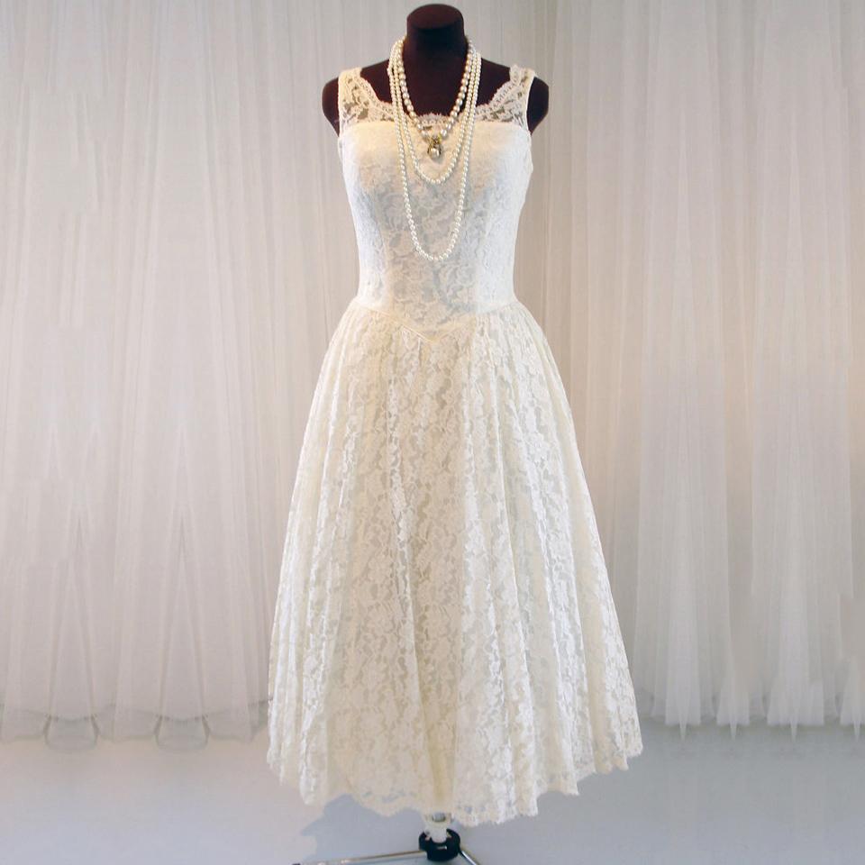 Scoop Neck A Line Tea Length Wedding Dress Elegant