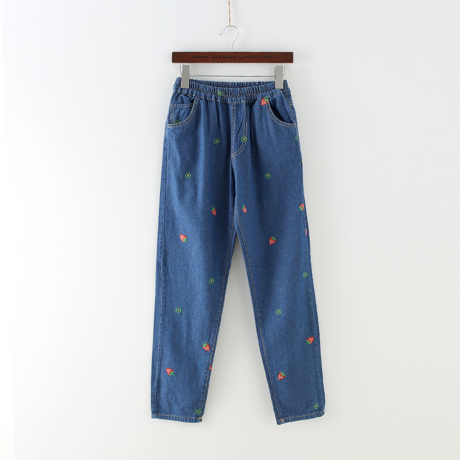 Womens Strawberry Embroideried Distressed Jeans