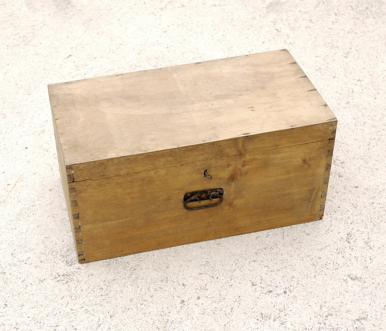 Cool Vintage Wooden Trunk Storage Treasure Chest Toolbox Toy Box Coffee Table Bedside Table Hinged Lid Lock Handle Rustic Chic Wooden Case Sold By Trije Onthecornerstone Fun Painted Chair Ideas Images Onthecornerstoneorg